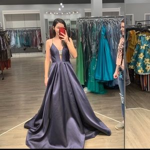Blush brand prom dress